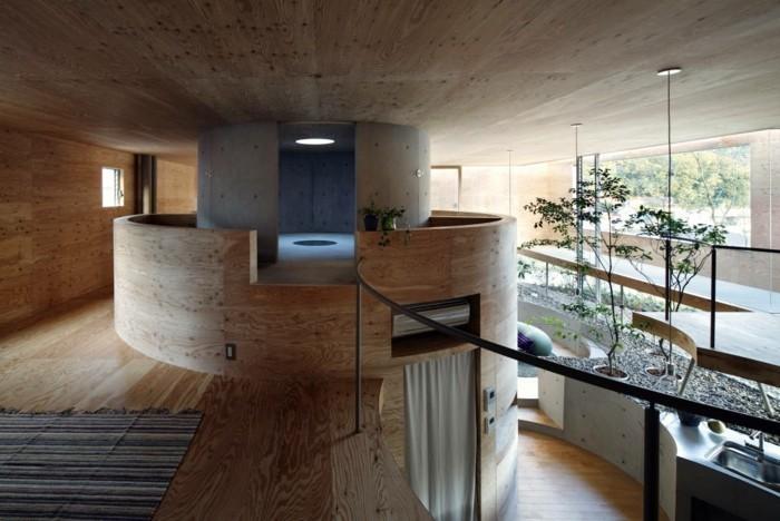 Holzpaneelen-sind-überall-in-diesem-Haus