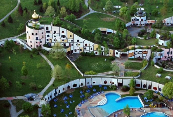 Hundertwasser-Architektur-Umwelt-Natur-Dorf2
