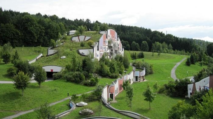 Hundertwasser-Architektur-Umwelt-Natur-Dorf4
