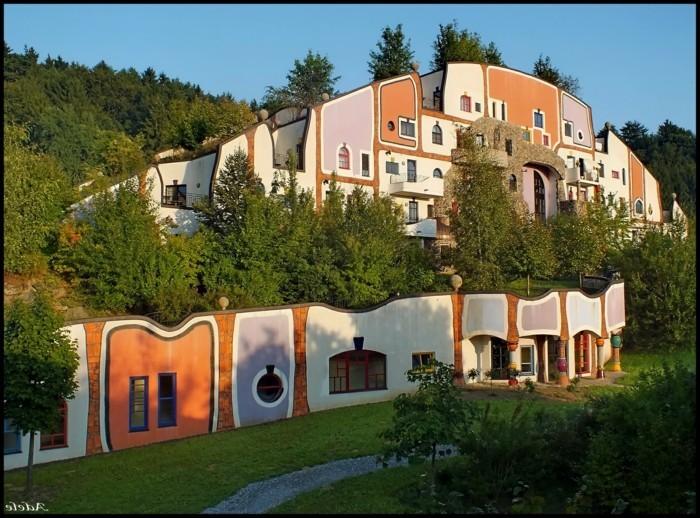 Hundertwasser-Architektur-Umwelt-Natur-Dorf7