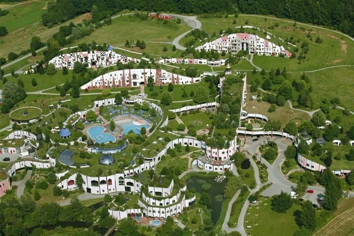 Hundertwasser-Architektur-Umwelt-Natur-Dorf9