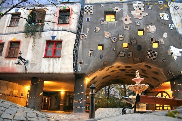 Hundertwasser-Haus-Österreich-Wien-Hundertwasserhaus-Springbrunnern