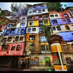 Hundertwasser: Jenseits der Rahmen und Gerade