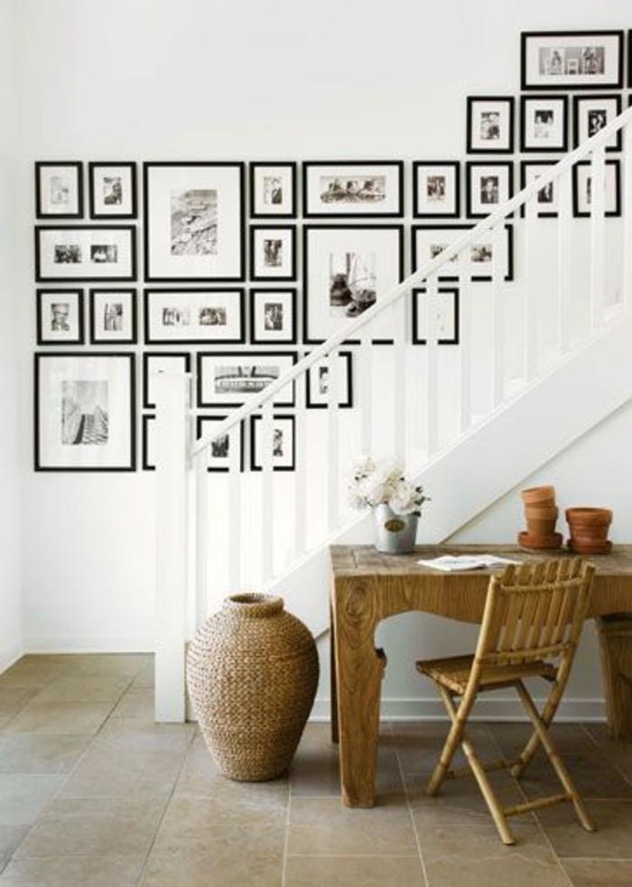Ideen-Fotowand-im-treppenraum-fliesenbelag-boden-schreibtisch-im-flur