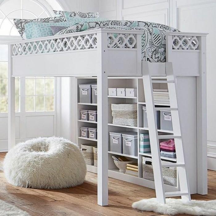 Jugendzimmer-mit-Hochbett-in-weißer-Farbe