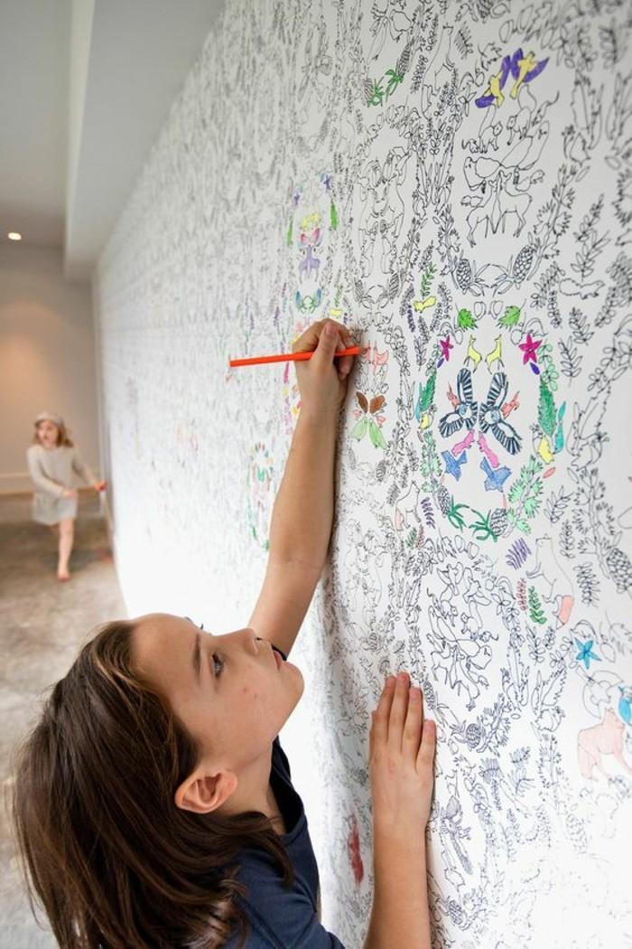 Kinderzimmer-Tapete-mit-Ausmalbilder-für-die-Kinder
