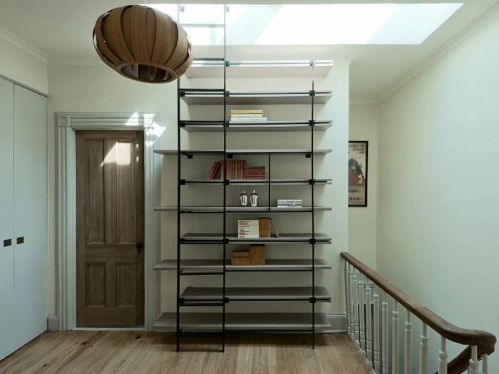 Leiter-für-Bücherregal-auch-für-den-Dach