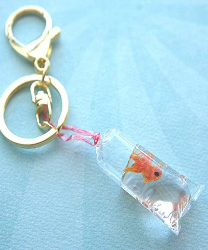 Lustige-Geschenke-ein-echter-Goldfisch