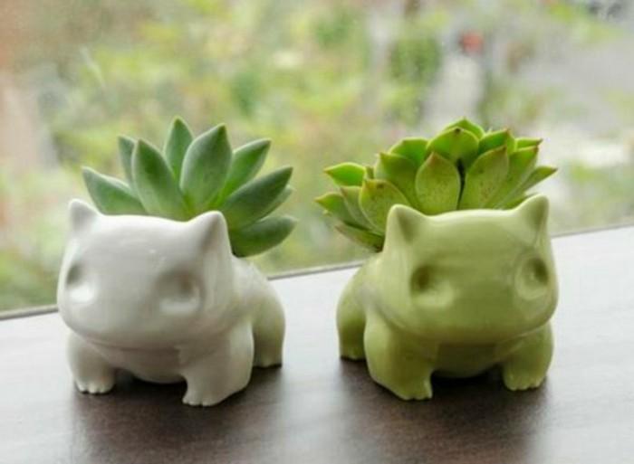 Lustige-Geschenkideen-zwei-Pokemons-mit-Pflanzen