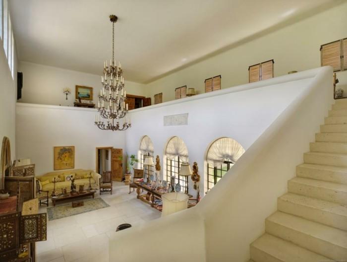 Luxusvilla-La-Pausa-von-Coco-Chanel-Interior-Design-das-Entrее2