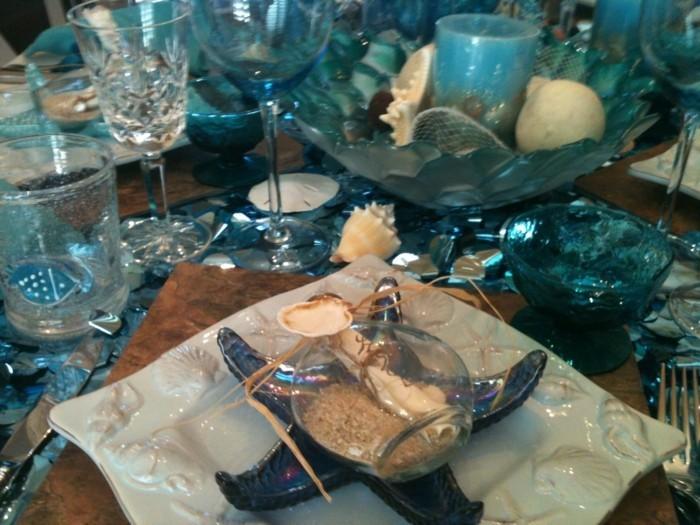 Maritime-Tischdeko-aus-blauem-Glas
