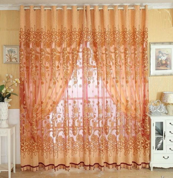 Moderne-Gardinen-in-oranger-Farbe