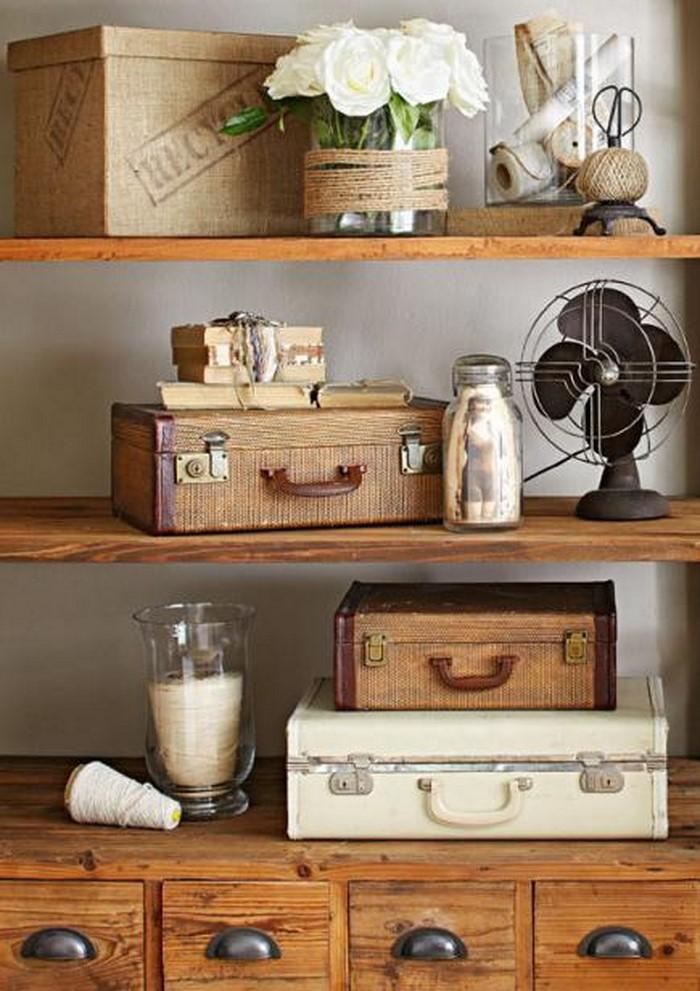 deko koffer vintage stylischer blickfang der vintage koffer als alter koffer deko dekorieren. Black Bedroom Furniture Sets. Home Design Ideas