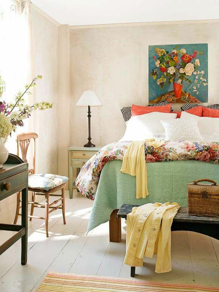 Schlafzimmer-Wandgestaltung-mit-heller-Pastelltönen
