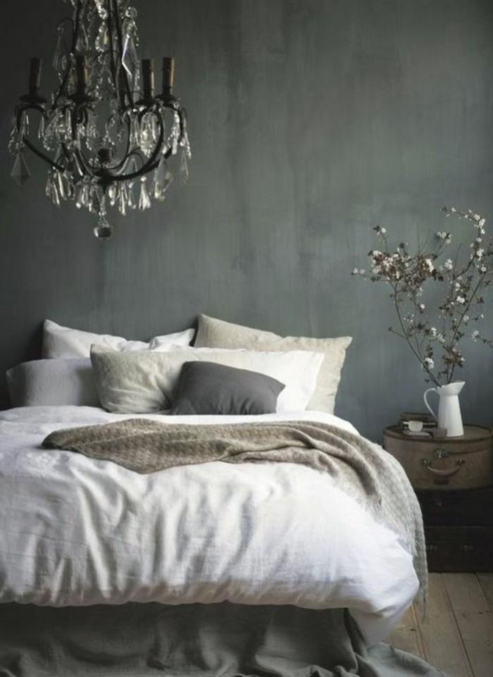 Schlafzimmer-Wandgestaltung-mit-verschiedenen-Nuancen