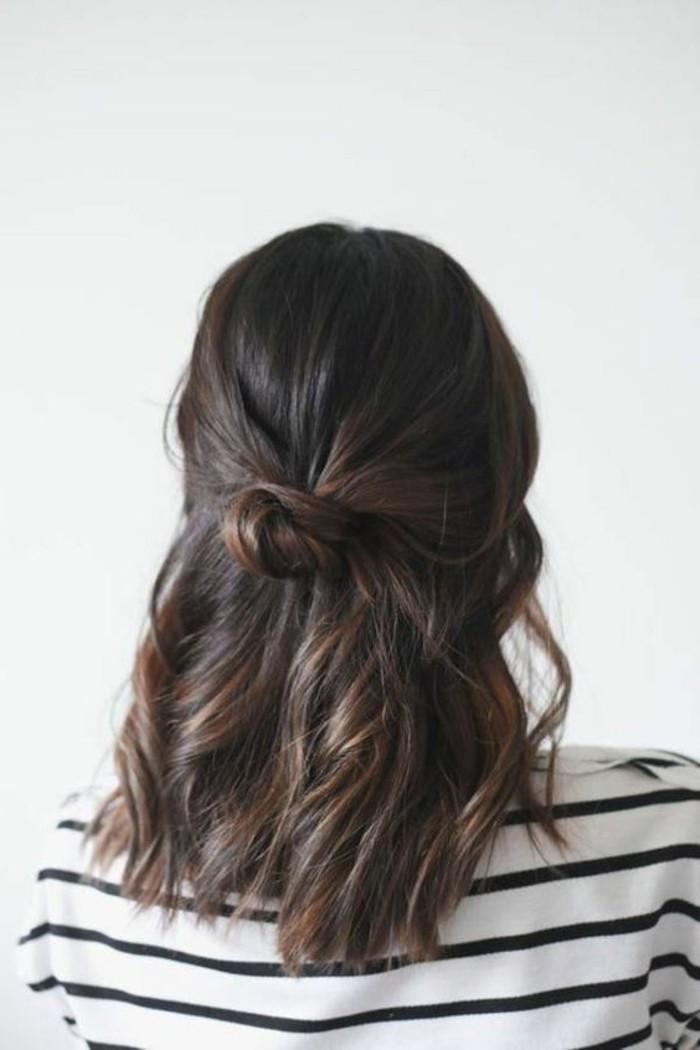 Schnelle-Frisuren-auf-einer-Knote