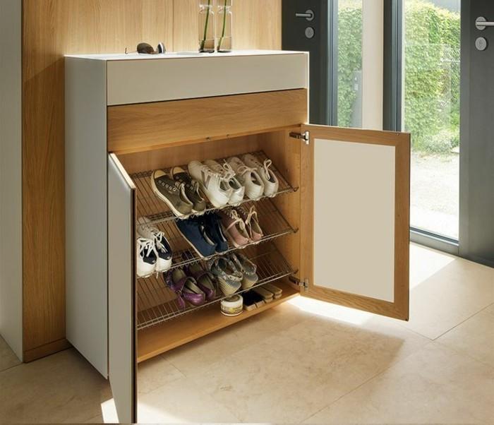Schuhschrank-Design-mit-Ständer-aus-Eisen