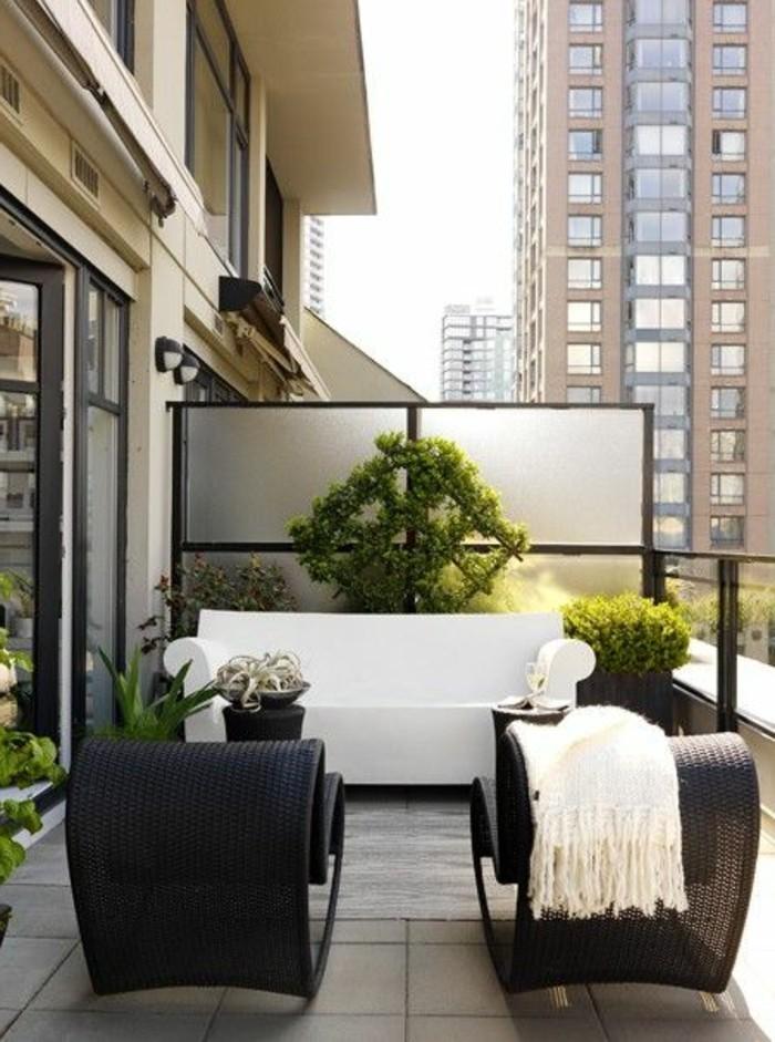 Sichtschutz-für-Terrasse-aus-Holz