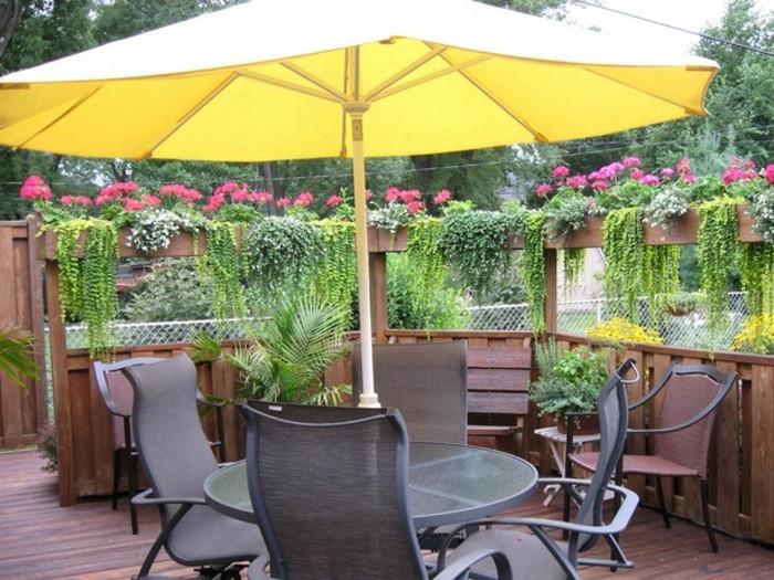 Sichtschutz-für-Terrasse-mit-Pflanzen
