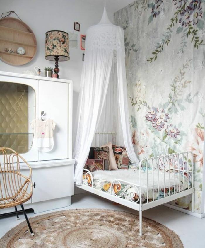 Tapete-Kinderzimmer-für-eine-kleine-Prinzessin