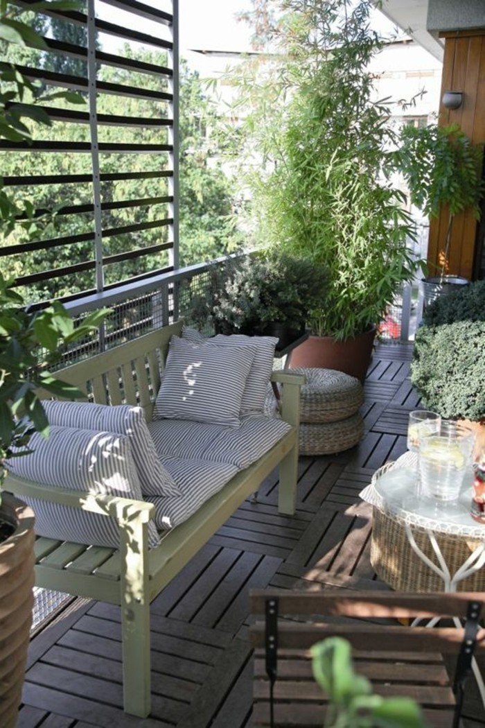 Terrassen-Sichtschutz-aus-Holz-zum-Wohnfühlen