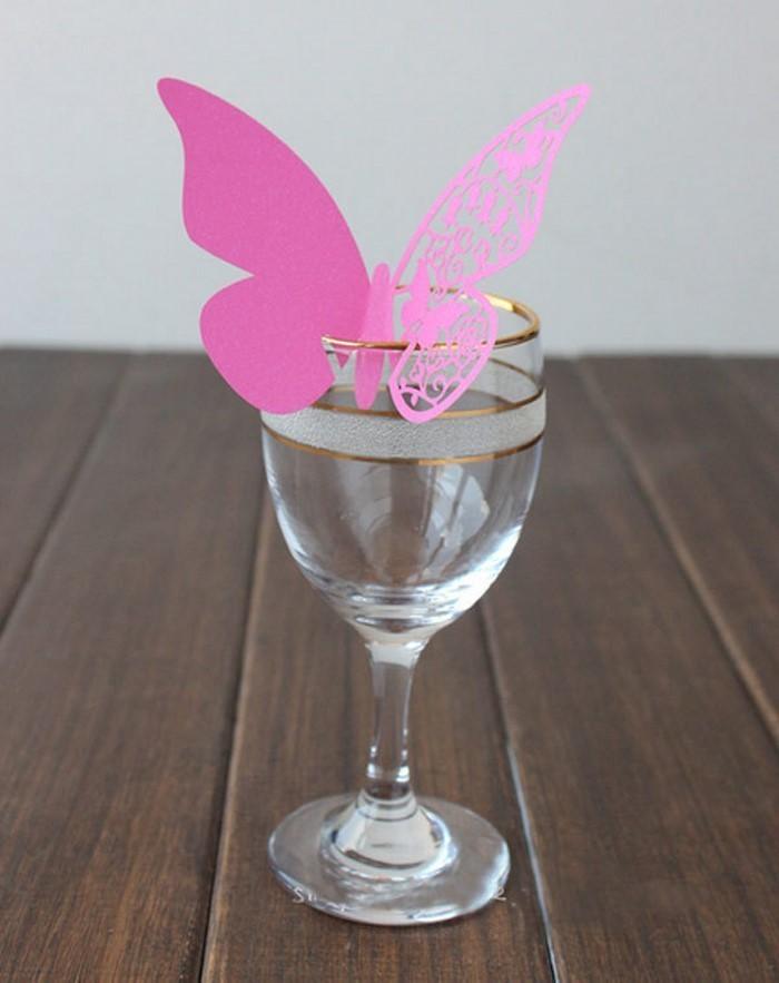 Tischdeko-aus-Glas-Eine-kreative-Ausstattung