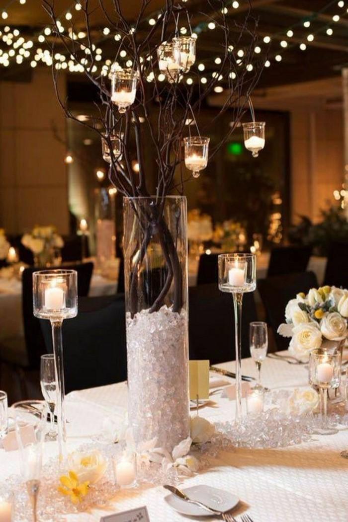 Tischdeko-aus-Glas-Eine-kreative-Gestaltung