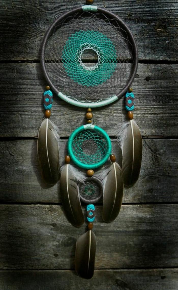 Traumfänger-selber-basteln-mit-Netz-in-verschiedener-Farbe