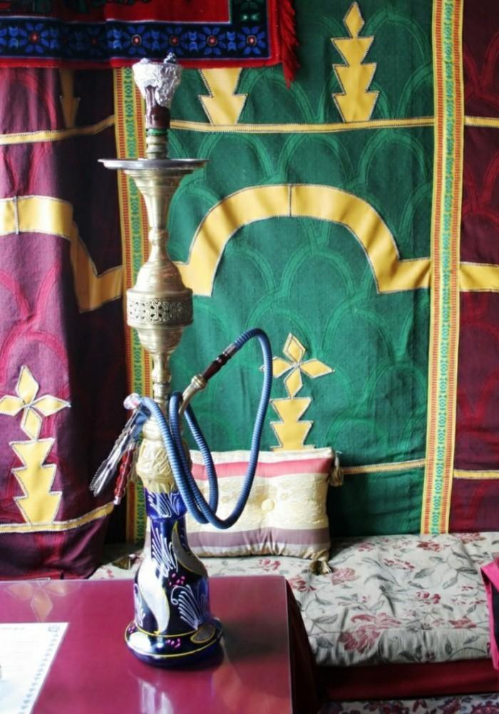 Wasserpfeife-Shisha-Hookah-zu-Hause-Einrichtung-orientalisch