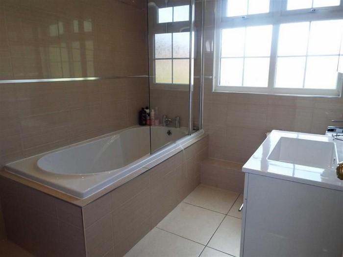 Wohnideen Badezimmer Badewanne Modern Pictures to pin on ...