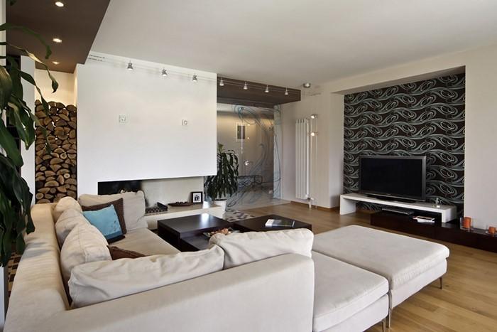 Wohnzimmer-gestalten-schwarzes-Dekor-weisse-Couchen