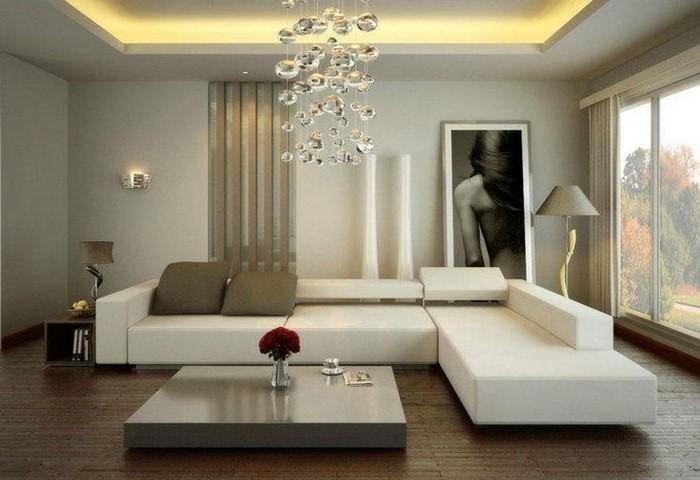 Wohnzimmer-gestalten-weisse-Couches-und-eine-weisse-Lampe