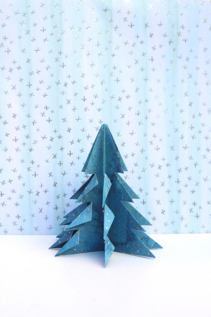 origami anleitung schritt für schritt, basteln aus papier, baum aus blauem bastelkarton