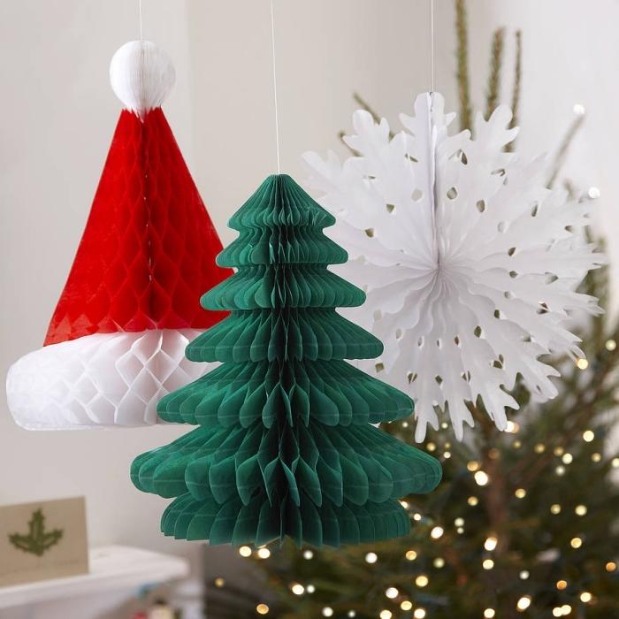 basteln aus papier, selsbtgemachte weihanchtedeko, große schneeflocke, wiehanchtsbaumschmuck