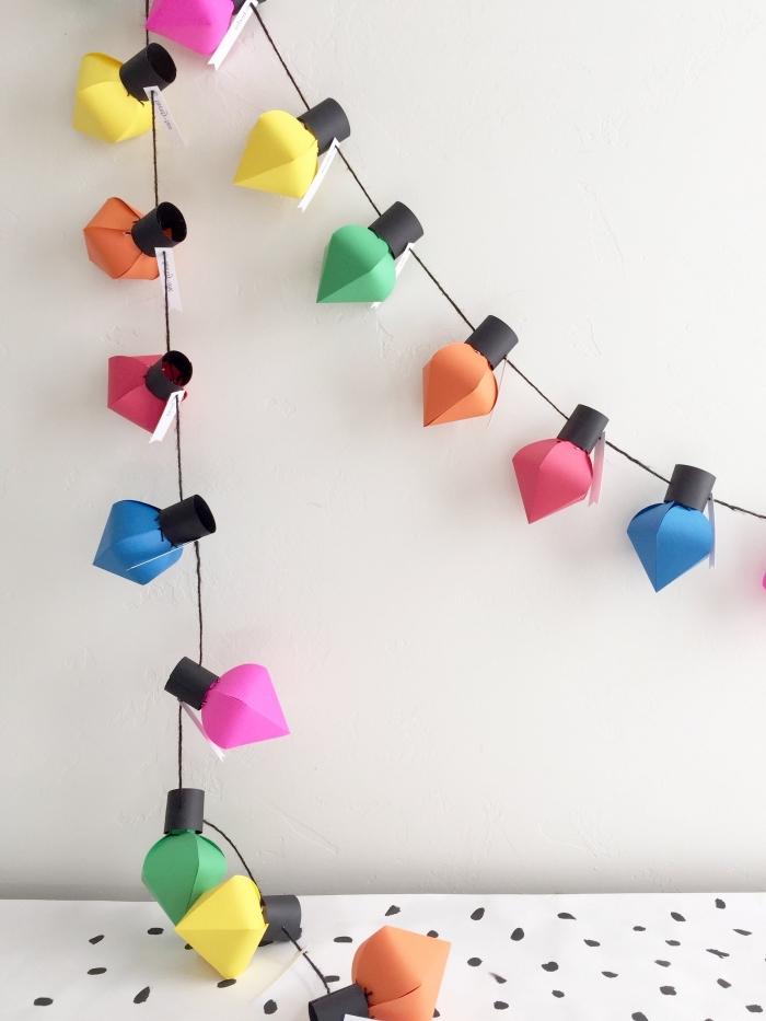 basteln weihnachten papier, selsbtgemachte girlande mit lampen aus buntem bastelpapier, party deko
