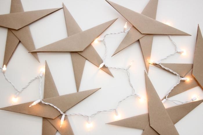 bastelvorlagen zum ausdrucken, große sterne aus braunem papier, weihanchtsdeko ideen