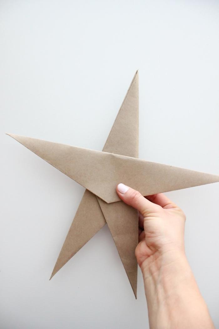 bastelvorlagen zum ausdrucken, origami stern selber machen, weihanchtsstern aus braunem papier