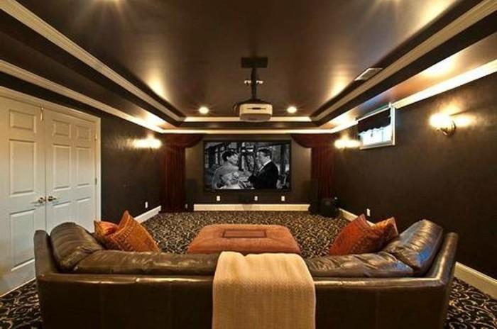 braune-wandgestaltung-ein-modernes-wohnzimmer