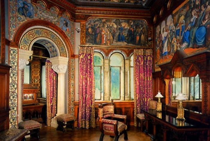 das-Schloss-Neuschwanstein-Ankleidezimmer