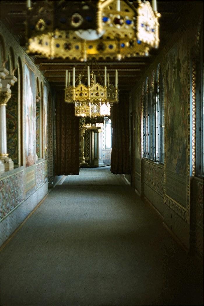 das-Schloss-Neuschwanstein-Korridor