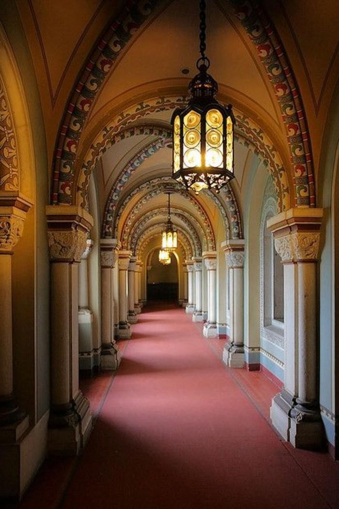 das-Schloss-Neuschwanstein-Korridor1