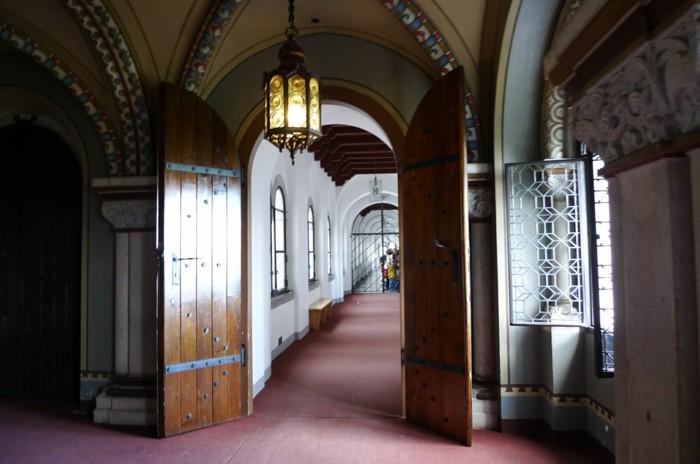 das-Schloss-Neuschwanstein-Tür