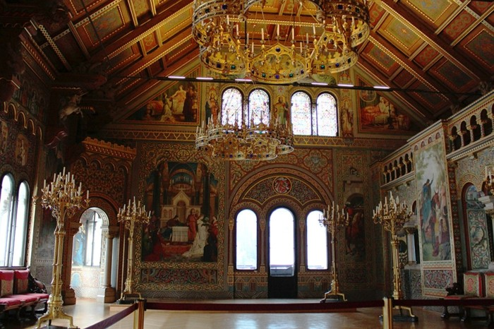 das-Schloss-Neuschwanstein-der- Sängersaal2