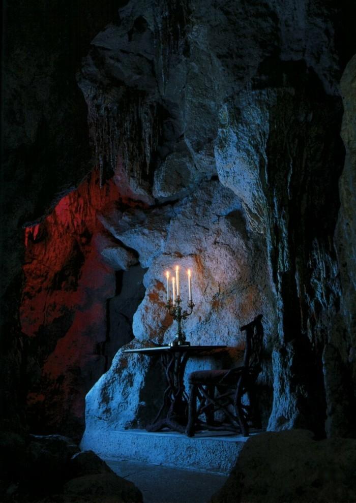 das-Schloss-Neuschwanstein-die-Grotte1
