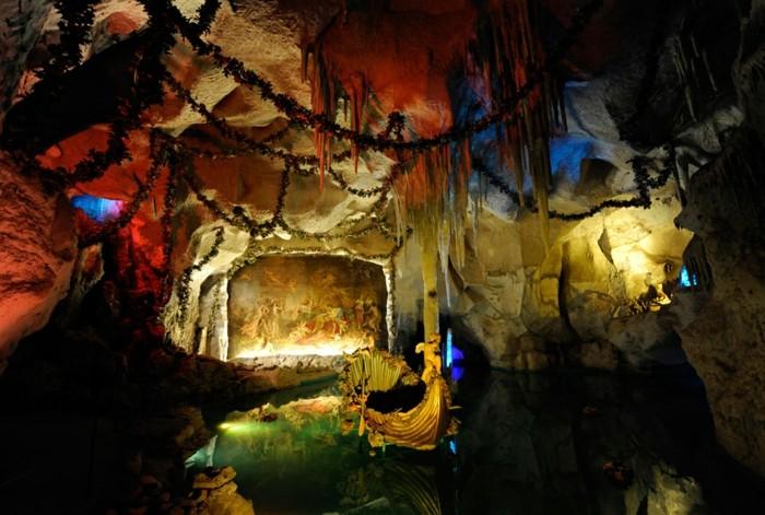 das-Schloss-Neuschwanstein-die-Grotte2