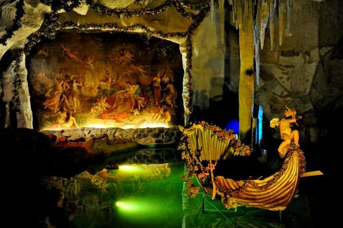das-Schloss-Neuschwanstein-die-Grotte3