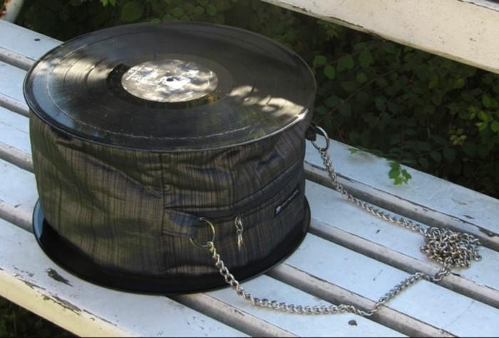 deko-aus-schallplatten-ausgefallene-tasche-aus-alten-schallplatten