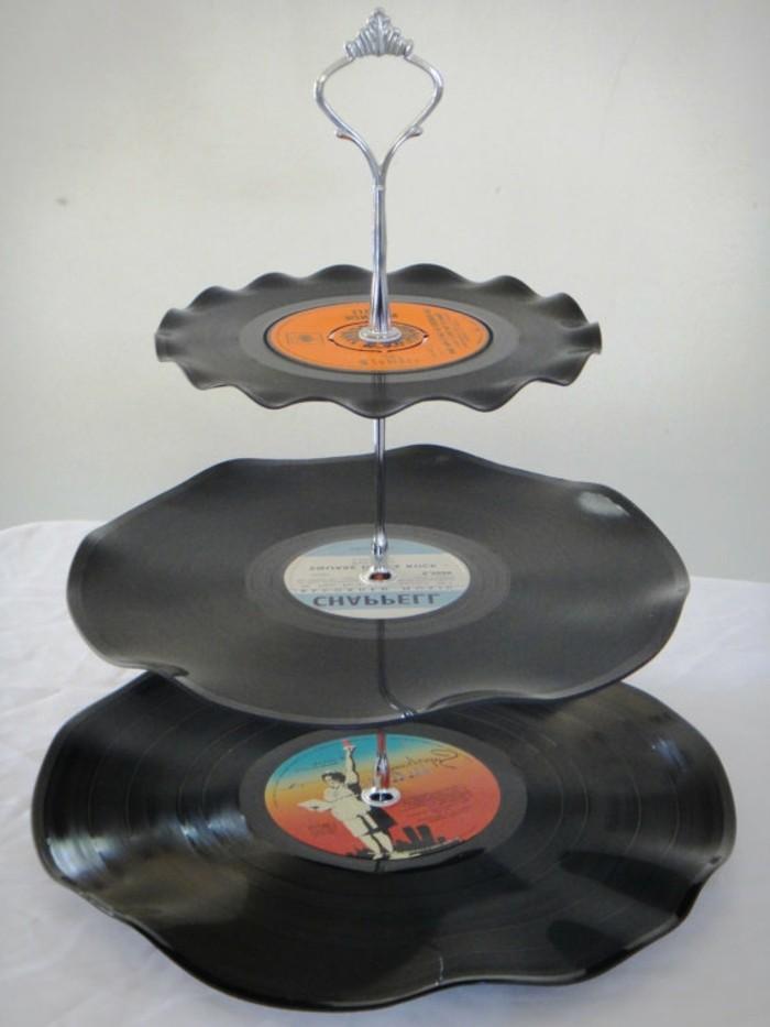 deko-aus-schallplatten-eine-ausgefallene-vinyl-etagere