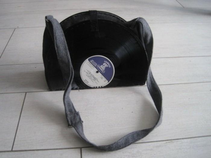 deko-aus-schallplatten-eine-schöne-tasche-aus-alten-schallplatten