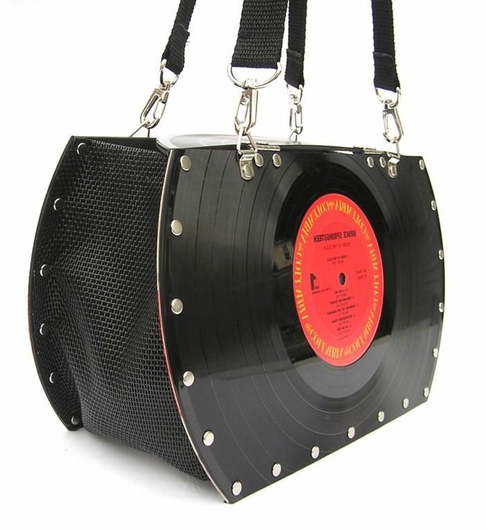 deko-aus-schallplatten-eine-sehr-schön-aussehende-tasche-aus-alten-schallplatten